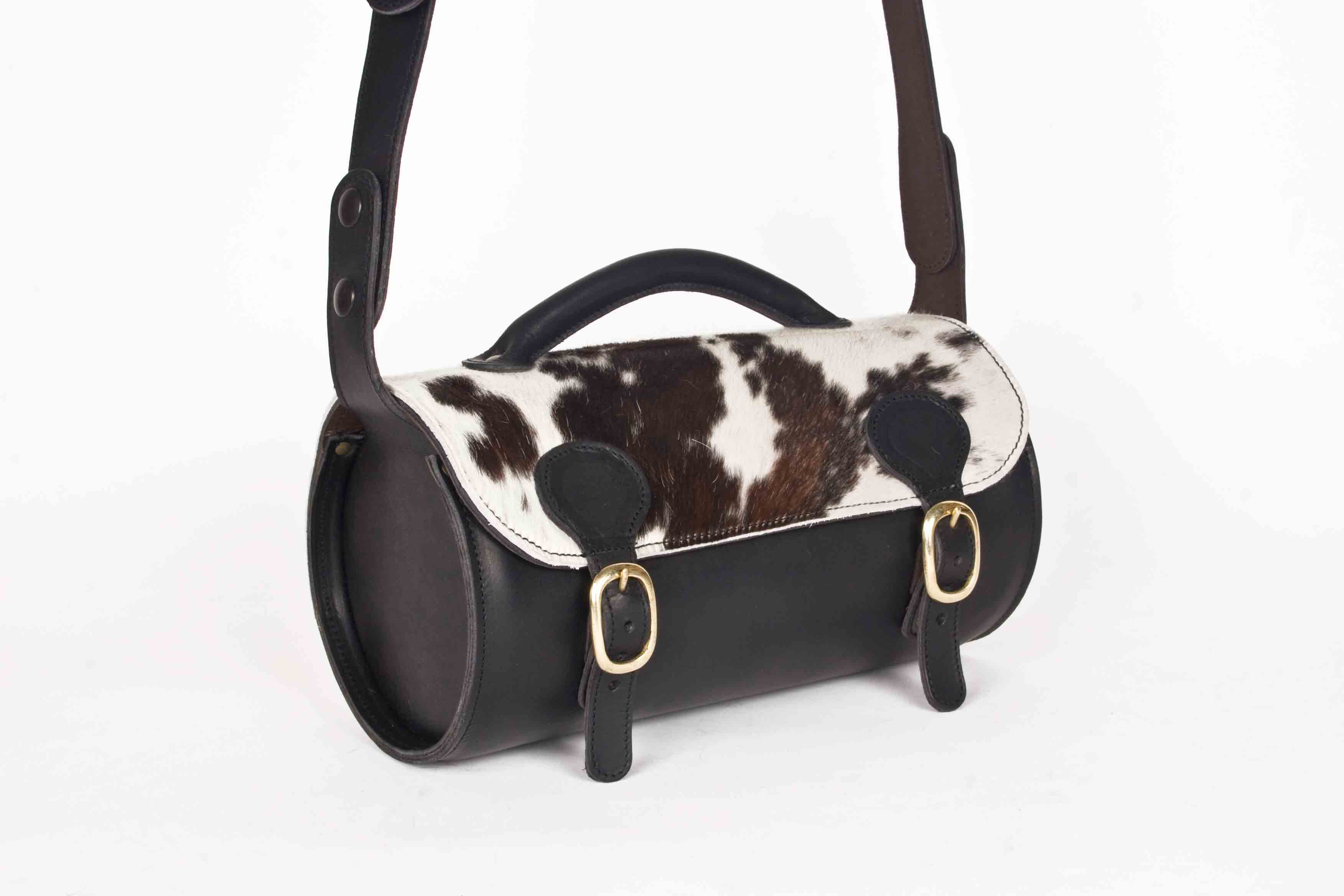 Round Bag black with cow hair detail
